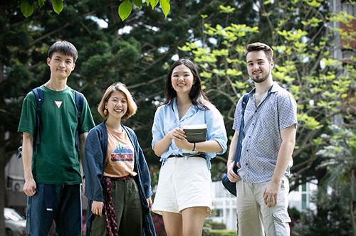 中央大學主辦的「全國大學先修課程暨認證資訊平台」,去年有高達91%的學生通過學分認抵,深受學生和家長好評。照片秘書室提供